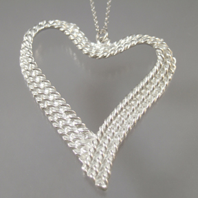 1573 Twine Heart Large